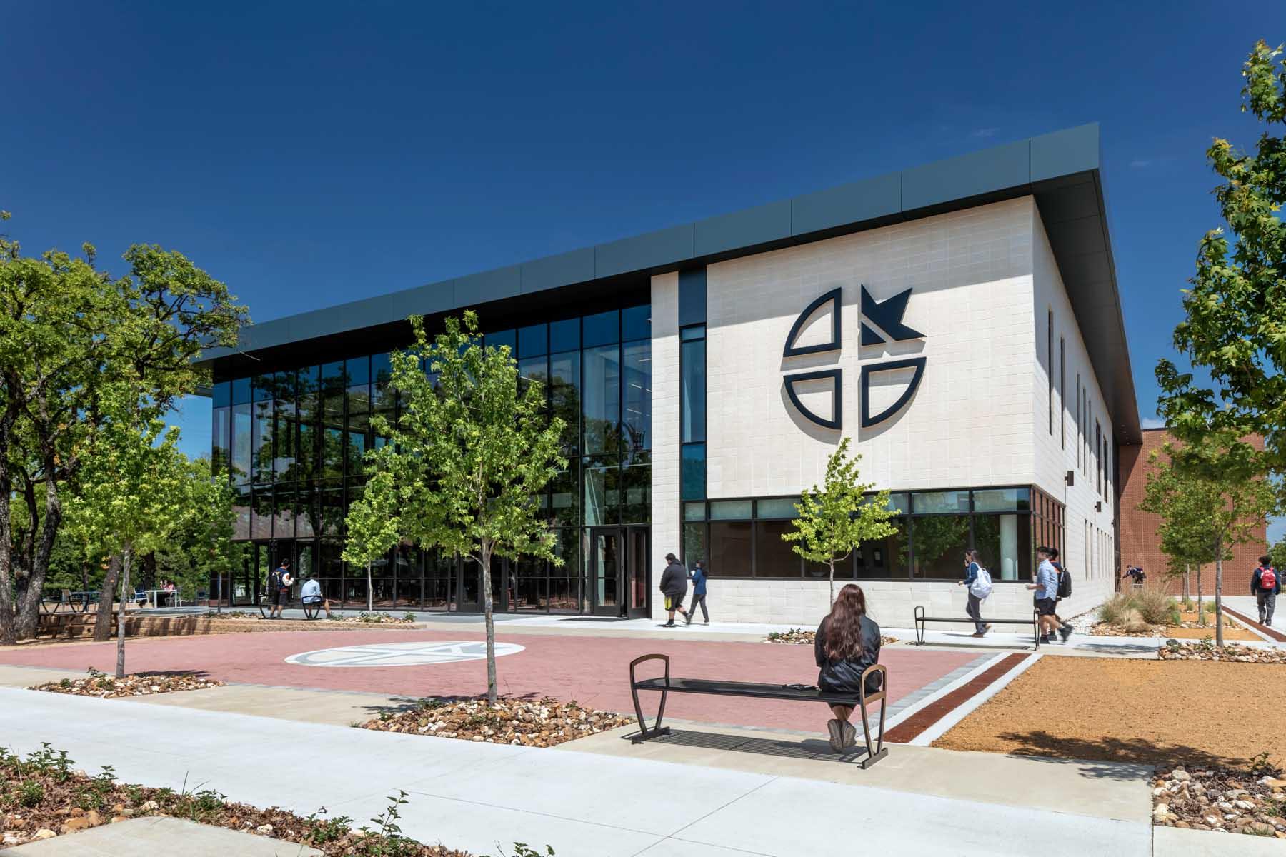 Cristo Rey Dallas Innovation Center, Front