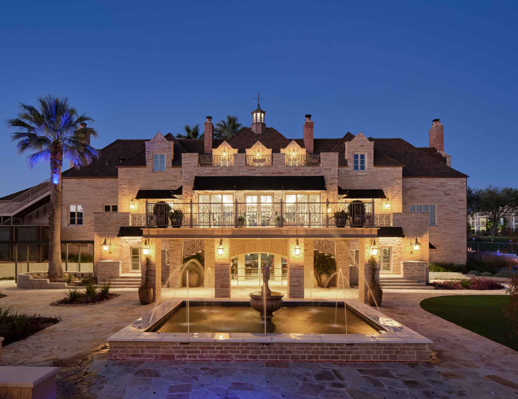 Red Berry Mansion